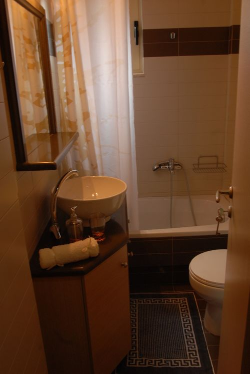 Gea-Villas-Lefkada-Maisonette-bathroom